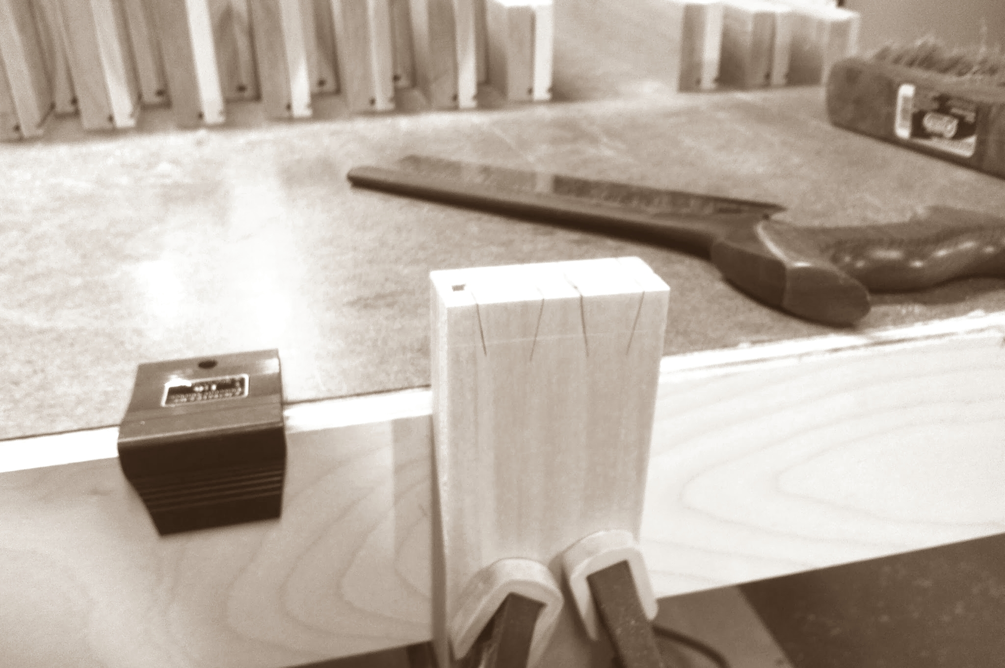Marking both sides at once using Veritas dovetail gauge