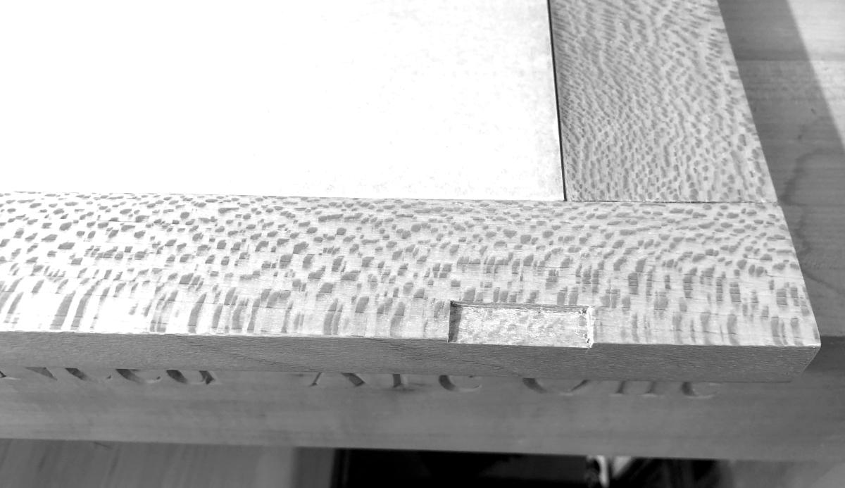 Mounting hinges on side doors 3