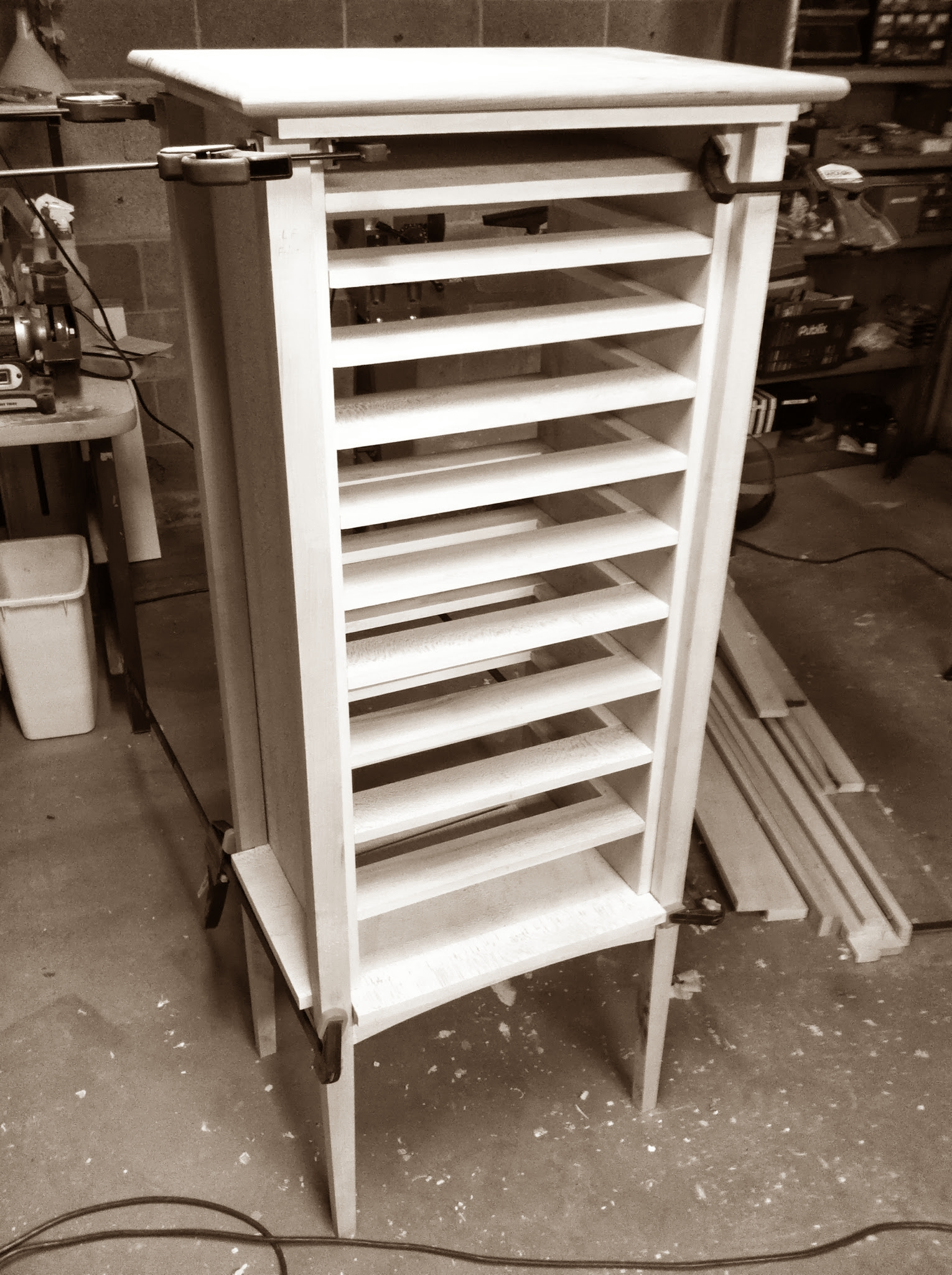 Adri's Cabinet: Final dry fit of the cabinet case, with web frame installed